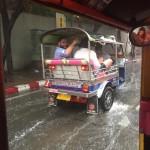 tuk tuk ploaie 3